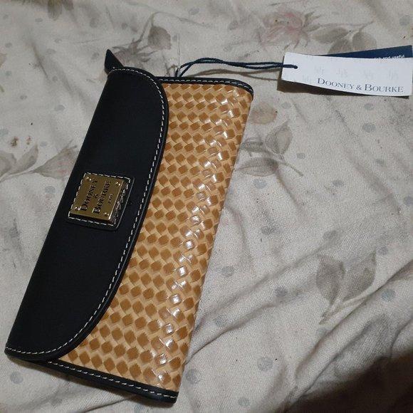 Dooney & Bourke Handbags - Dooney & Bourke Beacon Leather Woven Wallet